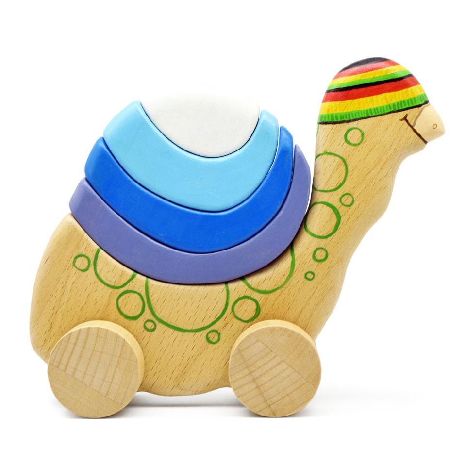Деревянная черепаха на колесиках