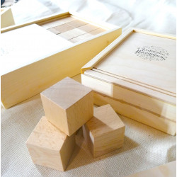 набор кубиков из дерева