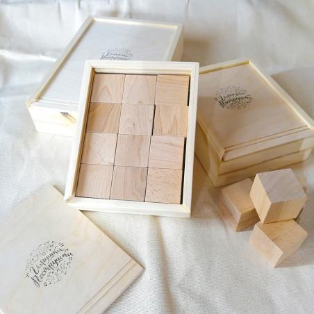 Буковые кубики в пенале