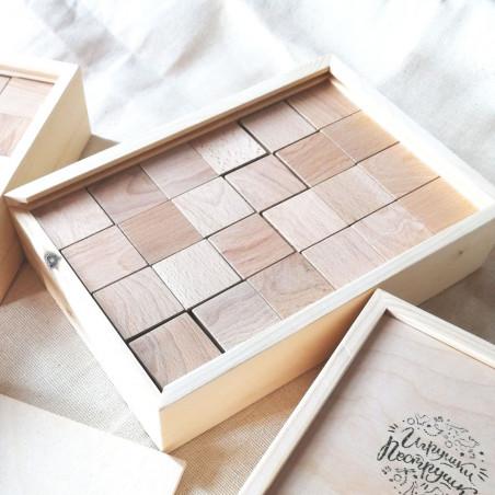Кубики из дерева в пенале