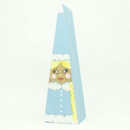 Стильная снегурочка в  нежно голубой шубке и золотой косой