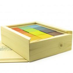 Цветные деревянные кубики в...