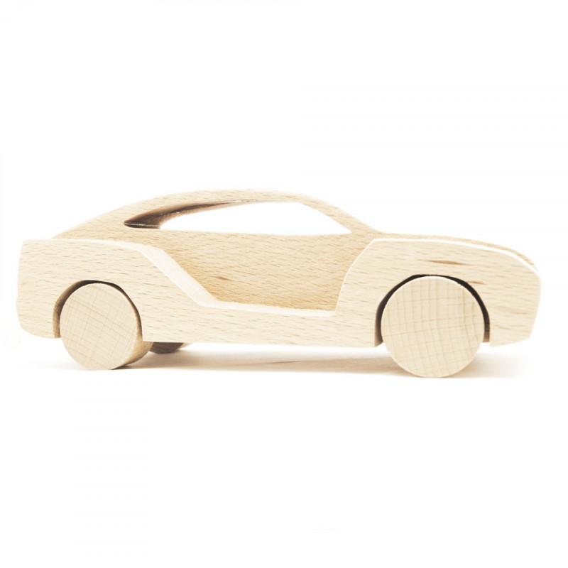 Модель машинки из дерева
