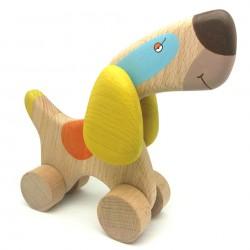 Собака бигль из дерева игрушка на колесиках